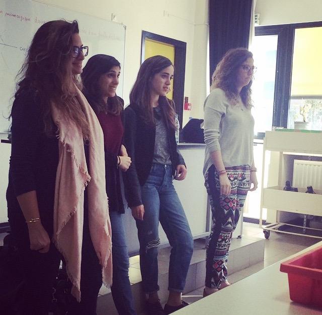 Rencontre des élèves de Terminale (spécialité SVT) avec Nisrine KAWA, Nour BEYDOUN, Aya ITANI et Zeinab KASSEM, anciennes élèves, actuellement étudiantes en Médecine (janvier 2015)